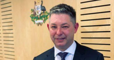 Funcionário da Comissão de Trabalho na Austrália será Investigado por ter Figures Eróticas